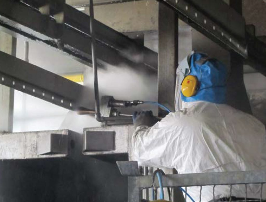 Overhead attachment profiles and hook contact holes. Cleaning directly in line without disassembly elements.