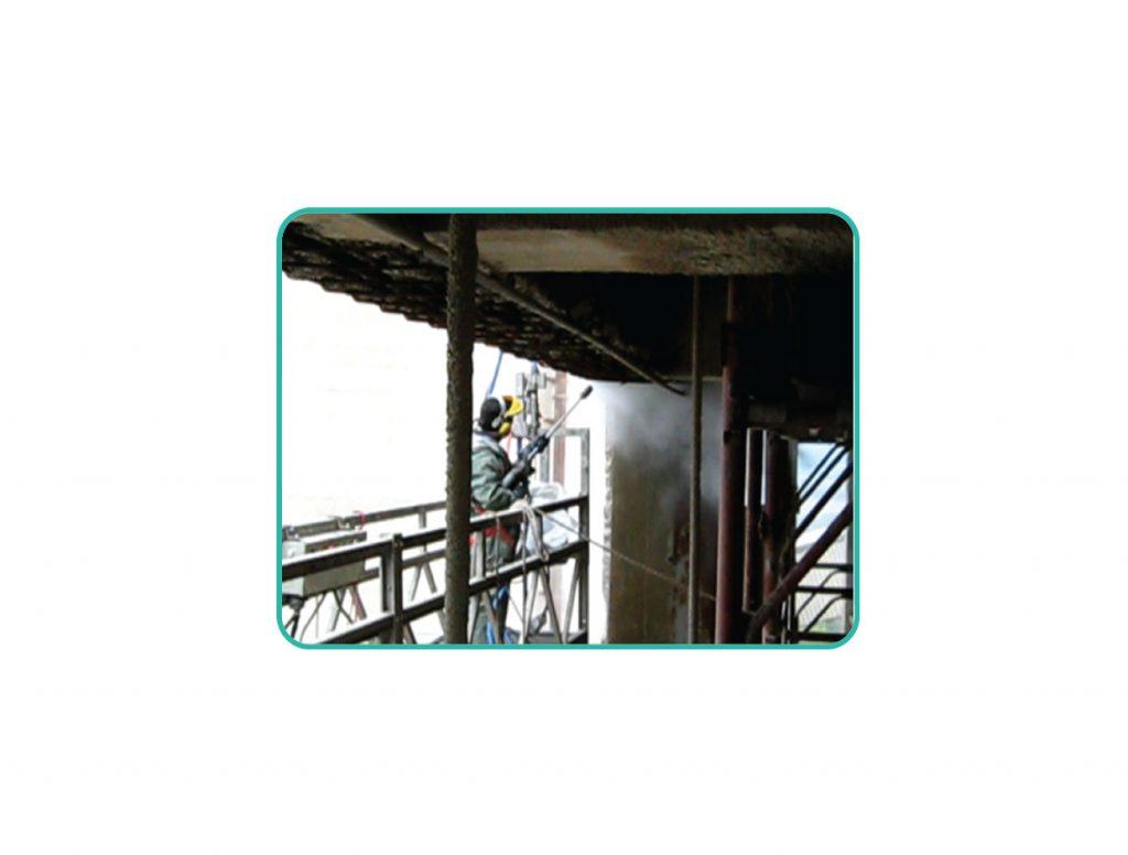 Rimozione cemento  ammalorato sino a ferri di supporto