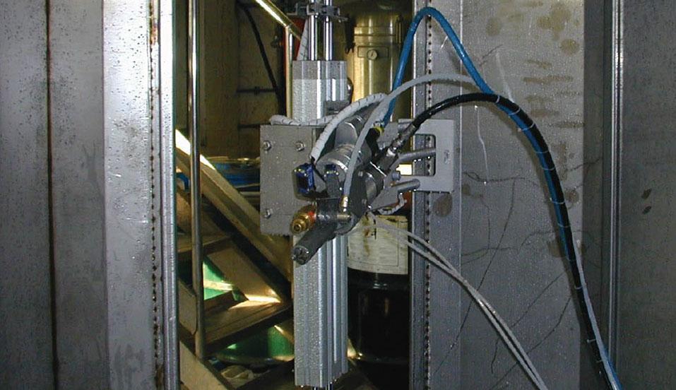 Interno macchina automatica di sverniciatura